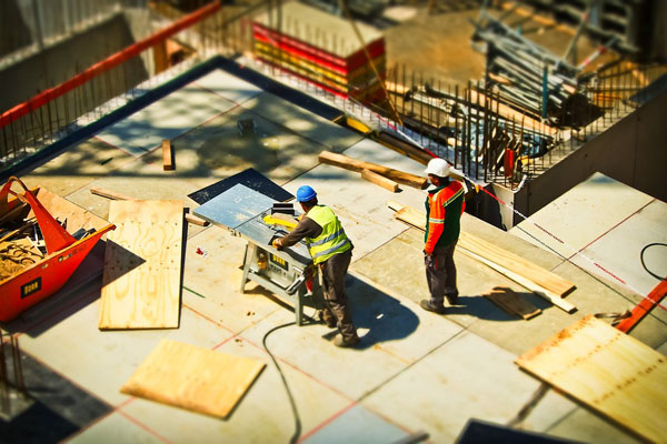 How Much Does Hiring a Builder Cost?