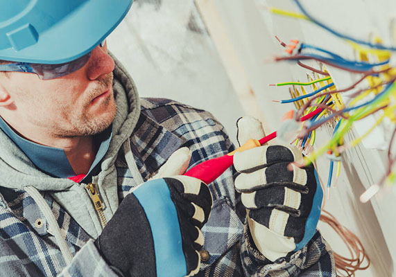 Electricians in Frankston, VIC