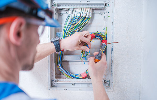 Electricians in Canning Vale, WA