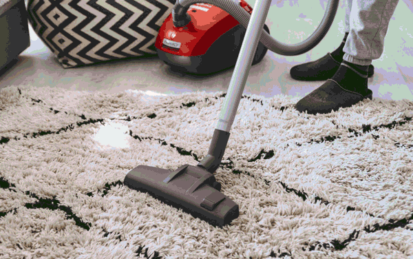 Difference Between Dry Cleaning and Steam Cleaning of Carpets